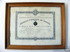 20C/ MEDAILLE D'HONNEUR DU TRAVAIL EN ARGENT FAIT A CRETEIL 1974 / ENCADREMENT