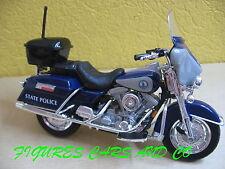 MOTO 1/18 HARLEY DAVIDSON ELECTRA GLIDE POLICE DE VIRGINIE