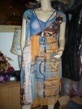 Robe modèle «Sahara» - collection printemps/été 2010SAVE THE QUEEN
