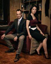 """Jonny Lee Miller & Lucy Liu - Sherlock Holmes [Elementary] 8""""x10"""" 10""""x8"""" Photo"""
