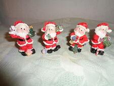 Nikolaus Weihnachtsmann Santa ca. 5 cm Keramik Zipfelmütze Tannenbaum Ball  NEU