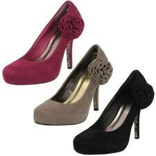 femmes Spot On rose détail à talon chaussures