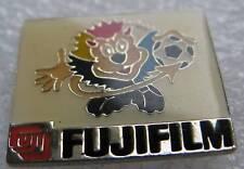 Pin's Fujifilm Petit Lion coupe du Monde 2000 de Football #581