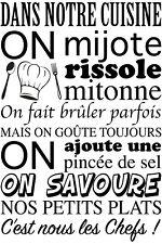 """Sticker Mural Texte """"Dans notre Cuisine, on ..."""" 50x30cm à 100x60cm (TEX012)"""