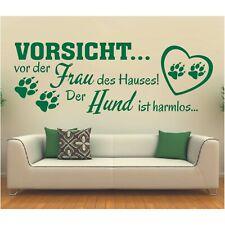 Wandtattoo Spruch  Vorsicht vor Frau Hund harmlos Wandaufkleber Wandsticker 1