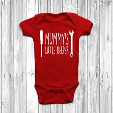 Mummy's Little Helper Baby grow Tuta Gilet Regalo Carino Lavoratore