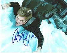 CHRIS PINE 'STAR TREK' CAPTAIN KIRK SIGNED 8X10 PICTURE