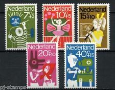 Nederland Nederland 830-834  kinderzegels vrij tijd - POSTFRIS