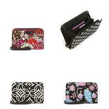 Vera Bradley Zip Around Wristlet Wallet NWT  R$38 Fits iphone 6,7,8