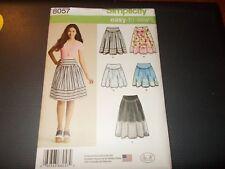 Simplicity Pattern 8057 Ms EZ Skirt w/Yoke Detail in 3 Lengths