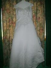 David's Bridal  NEW Wedding Dress Size 8-10!