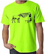 Banksy saliendo Cebra Rayas Neón Camiseta-Elección del Color