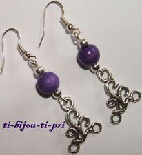 BOUCLES D'OREILLES ETHNIQUES 20 x 17mm et perles violettes en bois