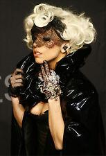 Sticker mural autocollant déco : Lady Gaga - réf 1687 (16 dimensions)