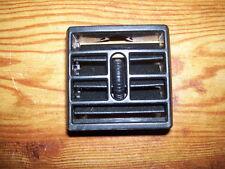 DODGE DURANGO DAKOTA 01-03 DASH HEATER VENT LOWER CENTER  EITHER SIDE OF RADIO