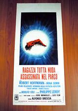 RAGAZZA TUTTA NUDA ASSASINATA NEL PARCO locandina poster Robert Hoffmann AG61