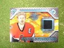 2001 PS Titanium Daniel Alfredsson game used jersey card Senators gu jsy