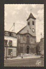 LE BOURGET (93) POMPE à ESSENCE LYS au GARAGE & SCOOTER à l'EGLISE en 1950