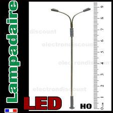 S302# Lampadaire double courbe  HO à LED CMS , éclairage blanc, belle finition