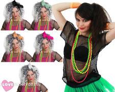 Señoras top de malla Disfraz 1980S negro, peluca y paquete de 4 Perlas De Neón Rave Vestido de fantasía