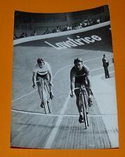 PHOTO PRESSE CYCLISME 1962 GAIGNARD POTZERNHEIM PISTE MONDE VITESSE VIGORELLI