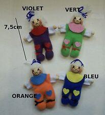 poupée miniature,maison de poupée,vitrine,couture,tissu, bois,bricolage    **CL4