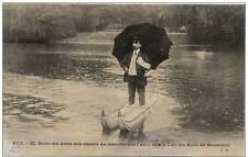 M. REMOND dans ses essais de Marche sur l'eau, sur le Lac du Bois de Boulogne