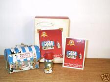 NEW~2004 HALLMARK ORNAMENT~LUNCH WAGON FOR PORKY PIG~LOONEY TUNES LUNCHBOX SET