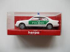 Herpa: MB e320 NUOVO polizia tetto numero b10 n. 042864 (gk2)
