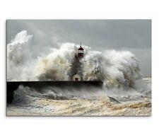 Leinwandbild Schwerer Sturm über Meer. Große Wellen brechen sich am Leuchtturm