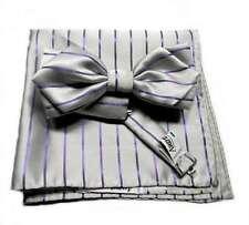 Completo uomo cerimonia papillon grigio perla a punta e pochette a righe viola