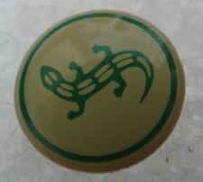 Pin's Animal Une salamandre Lezard Reptile #874
