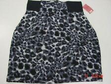 NWT Womens No Boundaries Skirt Black w/gray Spots Zippered Skirt Body Con Cute