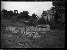 Photo ancien négatif sur verre plaque - Construction d'une maison - negative