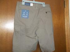 Croft & Barrow  True Comfort Cargo Shorts  Beige retail  $44 NWT 32 shadow brown