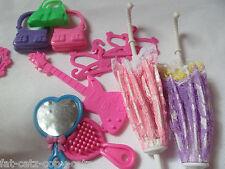15x poupées barbie taille cintres, chaussures et accessoires: parapluie miroir guitare comb