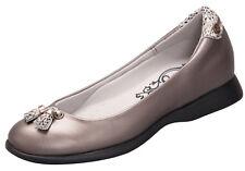 Sandbaggers Golf Shoes: Tassletoe Taupestone