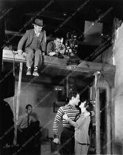 2706-14 Tod Browning directing John Gilbert Renee Adoree behind the scenes 2706-