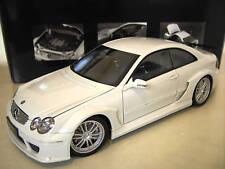 MERCEDES-BENZ CLK DTM AMG coupe blanc au 1/18 de KYOSHO 08461W