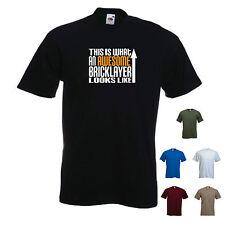 """""""esto es lo que un impresionante albañil se ve como"""" diseñador de Cumpleaños Divertido Camiseta"""