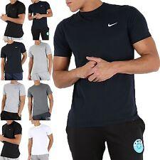 Nuovi Pantaloncini Uomo NIKE Logo T-shirt, Top mezze maniche Estate Palestra Corsa Sport Nero