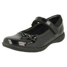 Clarks Venture Star Girls Black Patent Leather Shoes G-Fit (R43B)(Jen)