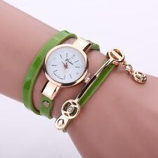 Reloj de pulsera Correa de serpiente Envolvente de mujer, (Beige) hecho con cristales de Swarovski
