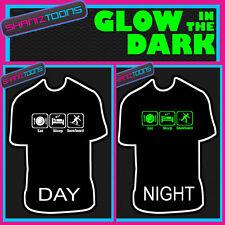 Eat Sleep Snowboard Snowboard brillan en la oscuridad Impreso Camiseta