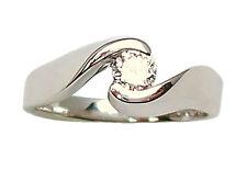 Anillo solitario de oro blanco 18 ct de mujer con diamante 0.25 talla brillante