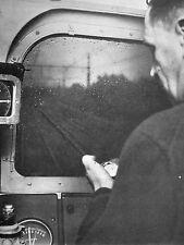 ARTICLE PRESSE LE TRAIN DE PARIS LYON LE PREMIER RAPIDE DU MONDE LE 7 OCTOBRE 52