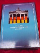 200 Années Porte de Brandebourg__album avec 24 Médailles____
