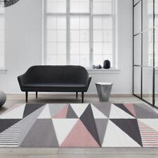 Tapis de salon traditionnel moderne de triangles Harlequin gris argenté rose
