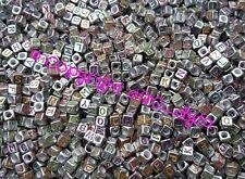 100 To 1000 ARGENT & MULTICOLORE Alphabet Mixte Lettres Cube Perles 6 mm 4 bijoux