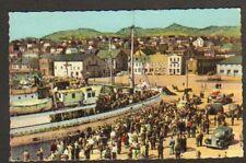 SAINT-PIERRE ET MIQUELON / Arrivée du NAVIRE POSTAL tres animée en 1962